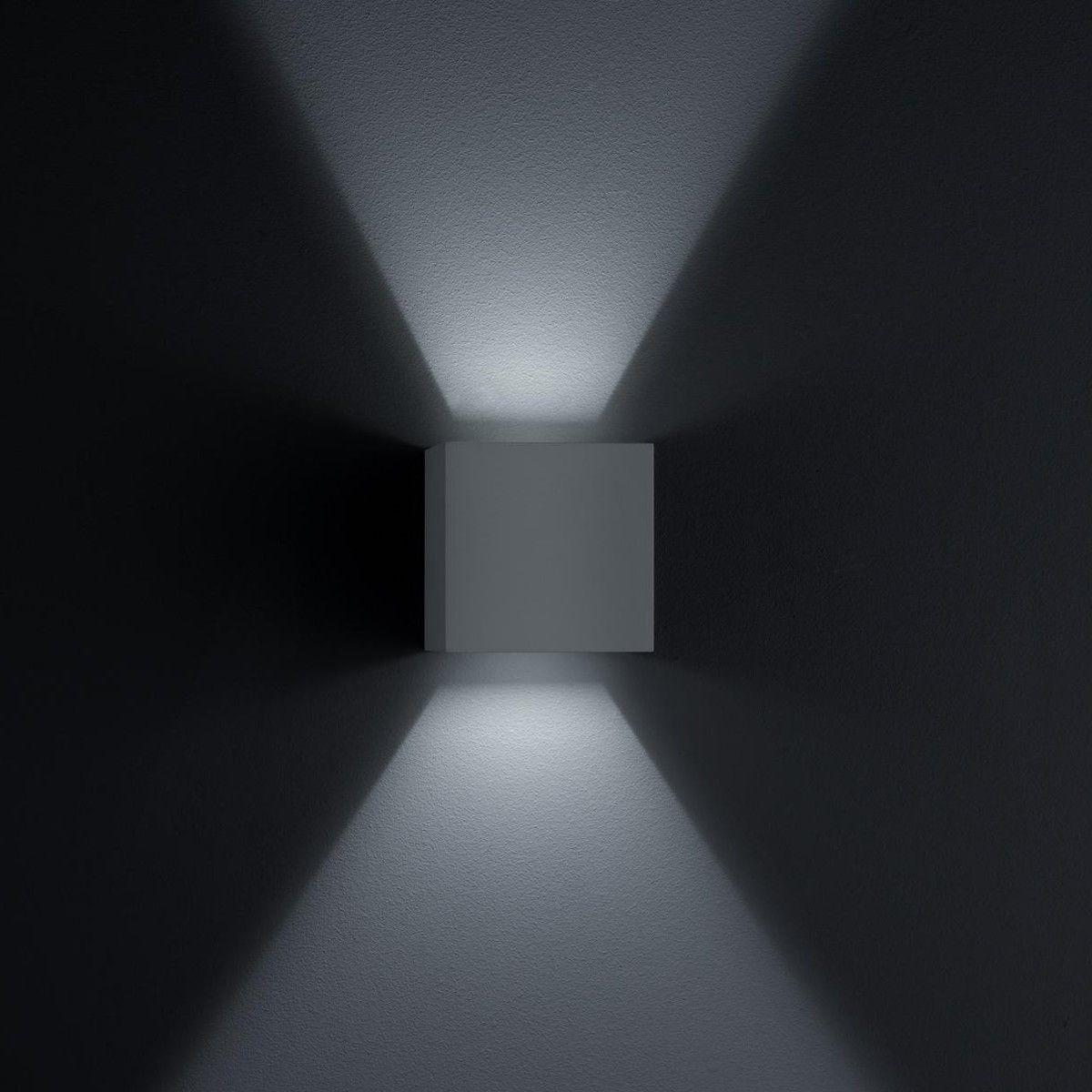 siri 44 led wall lamp helestra. Black Bedroom Furniture Sets. Home Design Ideas