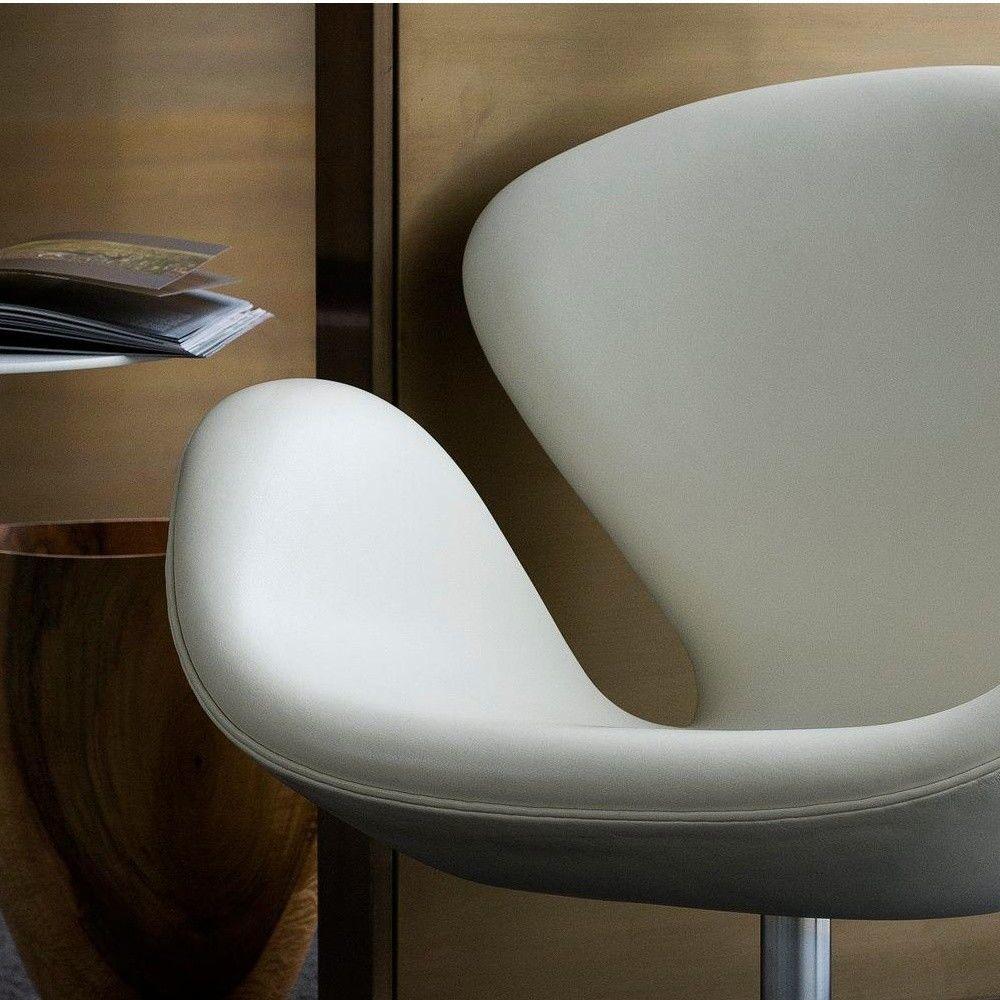 Swan Chair Clearance Sale Swan Chair Jacobsen Swan  Swan Chair Leather | Fritz Hansen | AmbienteDirect.com