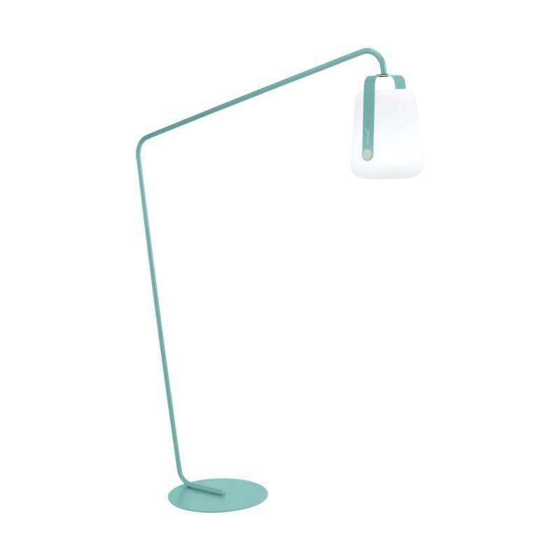 balad pied petit avec lampe led h 190cm fermob. Black Bedroom Furniture Sets. Home Design Ideas