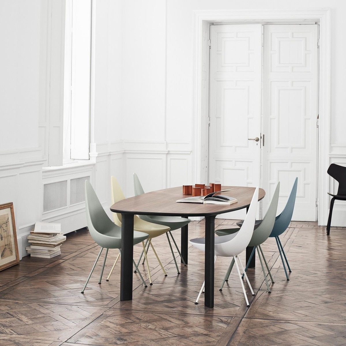 Arne jacobsen drop chair - Fritz Hansen Analog Dining Table 6 Drop Chairs Set