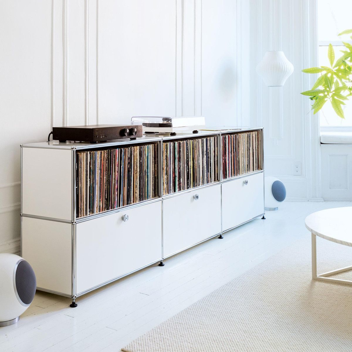 usm sideboard mit 1 klappt r unten h74cm usm haller. Black Bedroom Furniture Sets. Home Design Ideas
