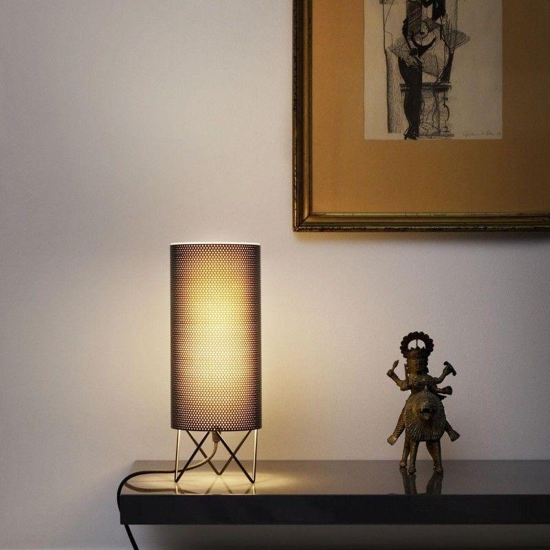 Pedrera pd1 table lamp gubi for Lampe de table contemporaine