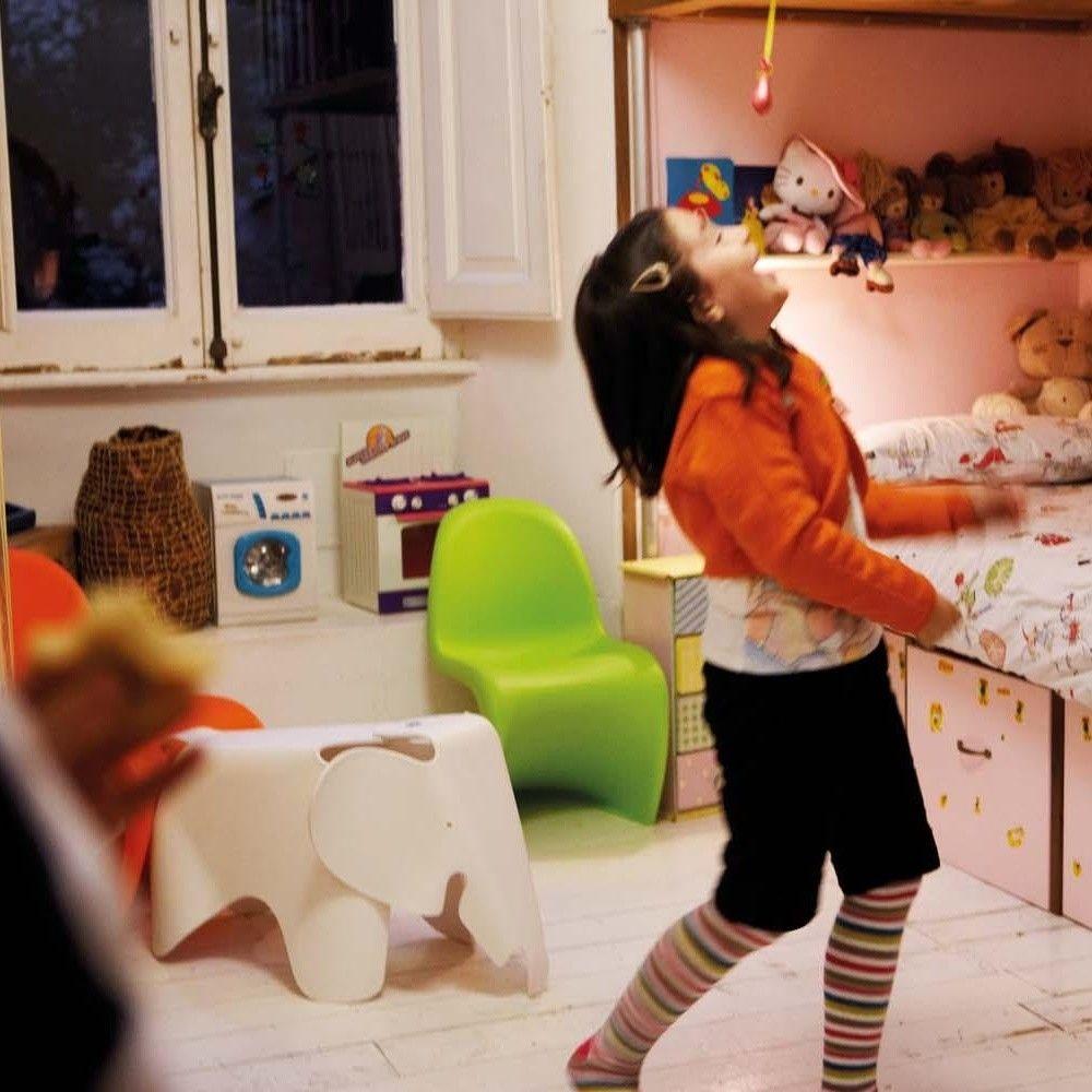 panton junior chaise pour enfant vitra verner panton. Black Bedroom Furniture Sets. Home Design Ideas