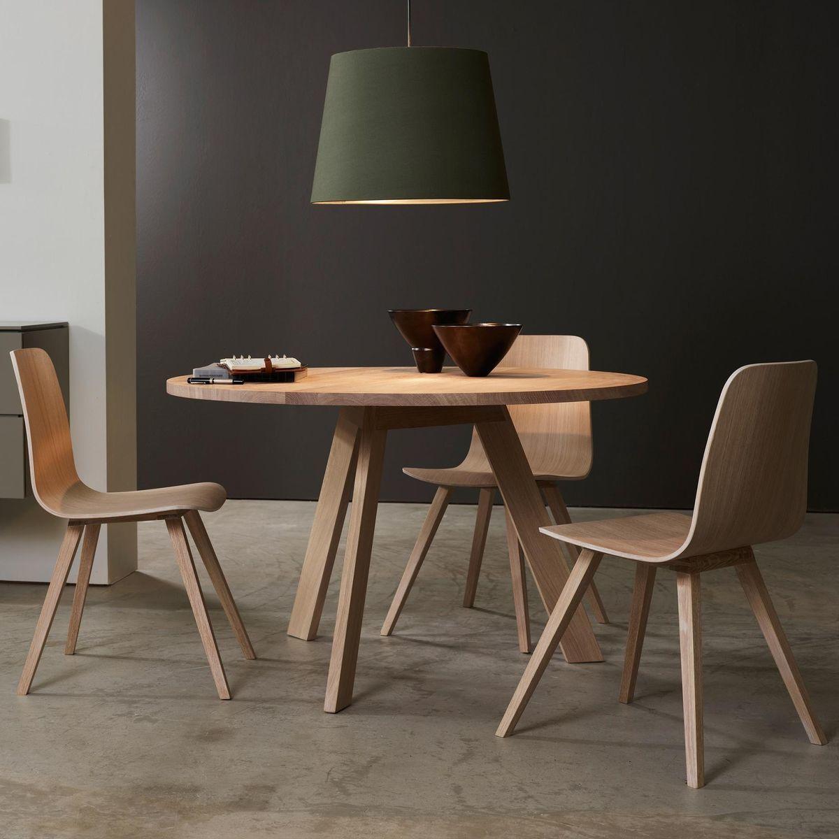 Tosh table de salle manger bois massif more tables - Table de salle a manger en bois massif ...