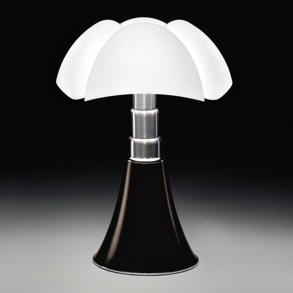 pipistrello table lamp martinelli luce
