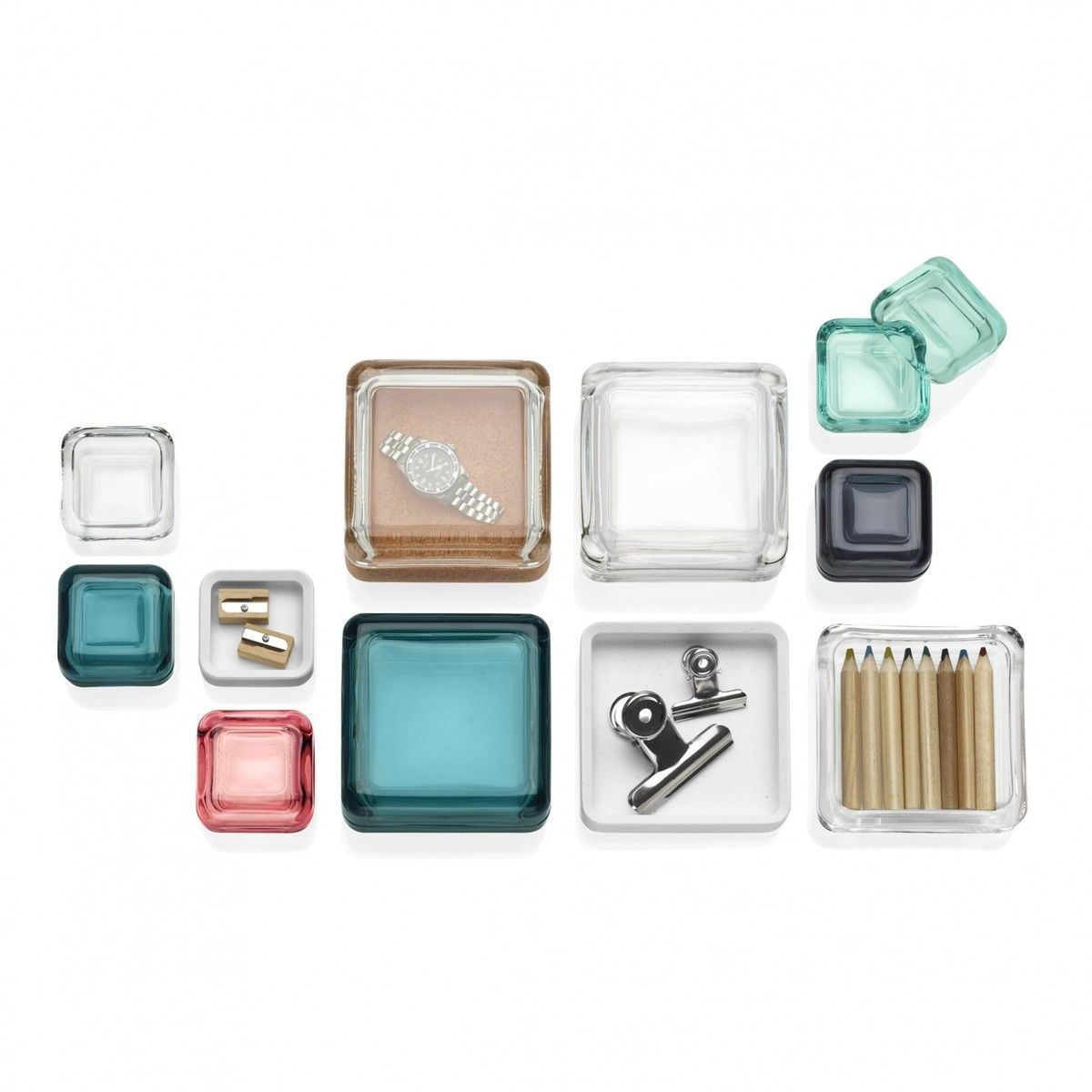 vitriini bo te vitrine en verre iittala bo tes bijoux rangement accessoires. Black Bedroom Furniture Sets. Home Design Ideas