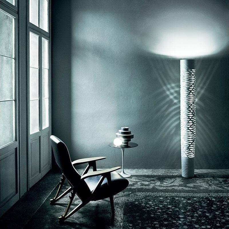 tress grande lampadaire foscarini tress. Black Bedroom Furniture Sets. Home Design Ideas