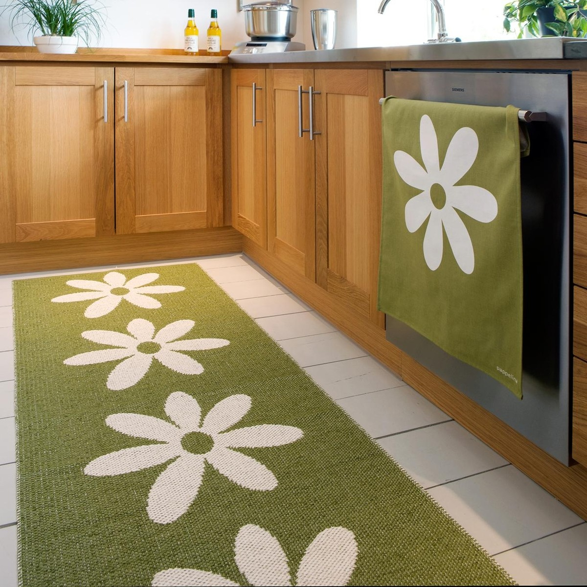 lilo plastic rug 70x250cm pappelina outdoor rugs outdoor. Black Bedroom Furniture Sets. Home Design Ideas