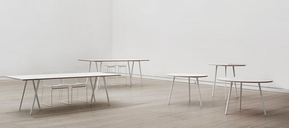 hay loop tisch bett tischbock und garderobe ambientedirect. Black Bedroom Furniture Sets. Home Design Ideas