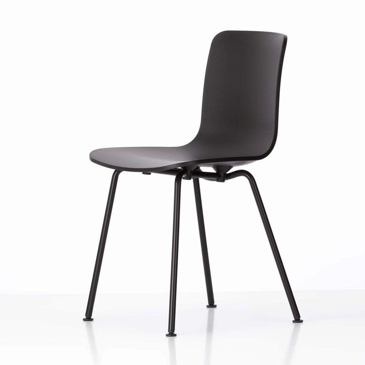 Hal tube chaise en structure noire vitra for Chaise eames vitra soldes