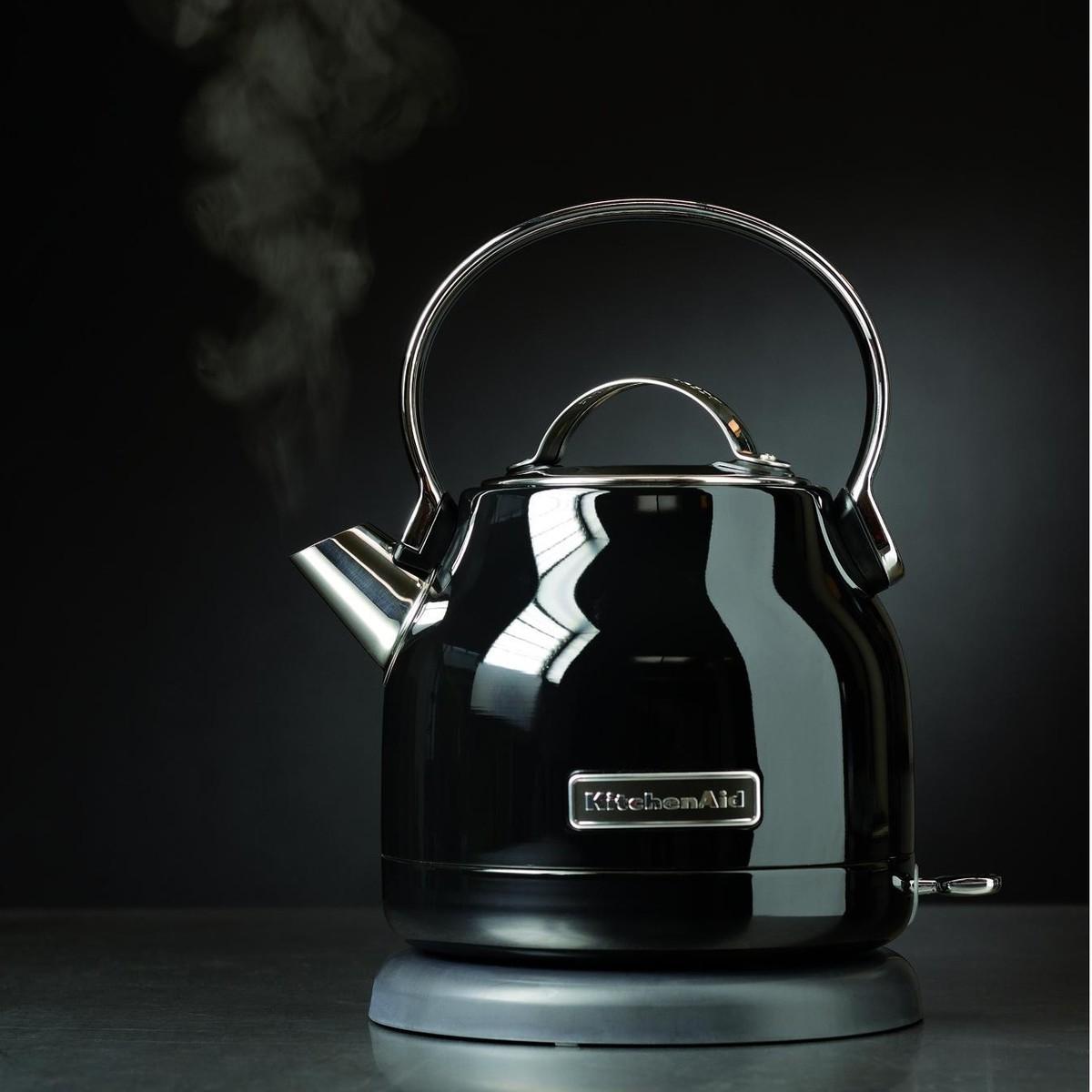 5kek1222 bouilloire lectrique de kitchenaid. Black Bedroom Furniture Sets. Home Design Ideas
