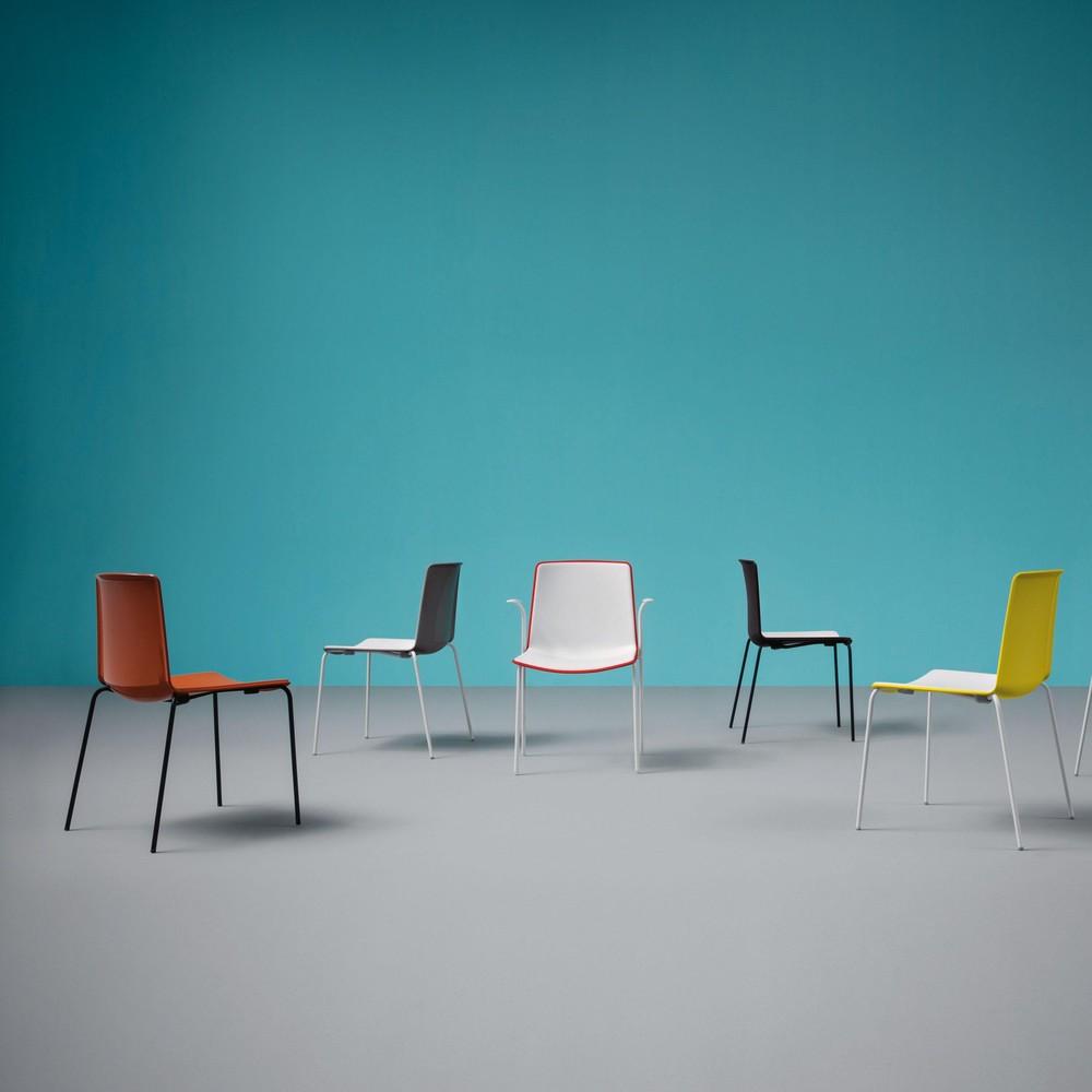 Tweet 890 chaise bi color pedrali for Chaise design colore