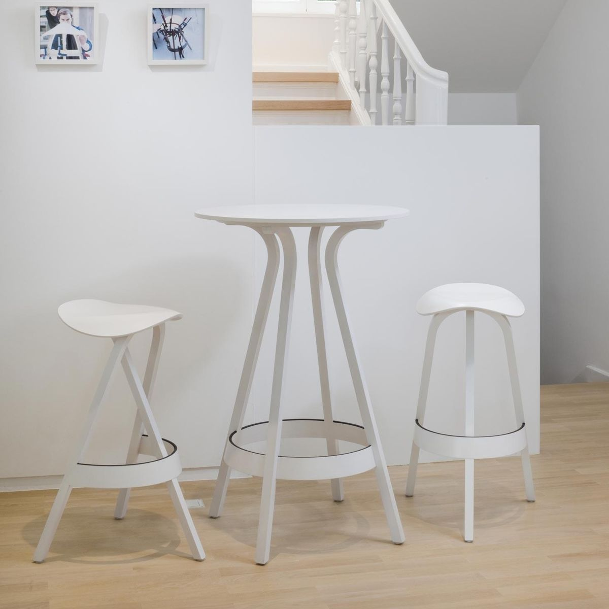 thonet 404 h bar stool 77cm thonet. Black Bedroom Furniture Sets. Home Design Ideas