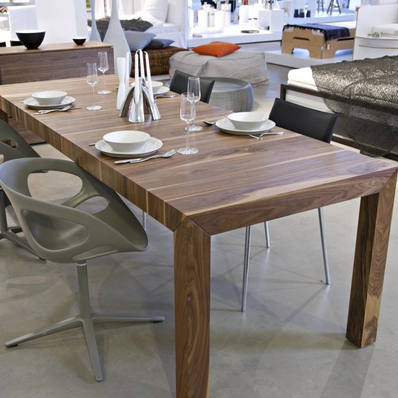 Volta table en bois massif extensible more for Table massif extensible