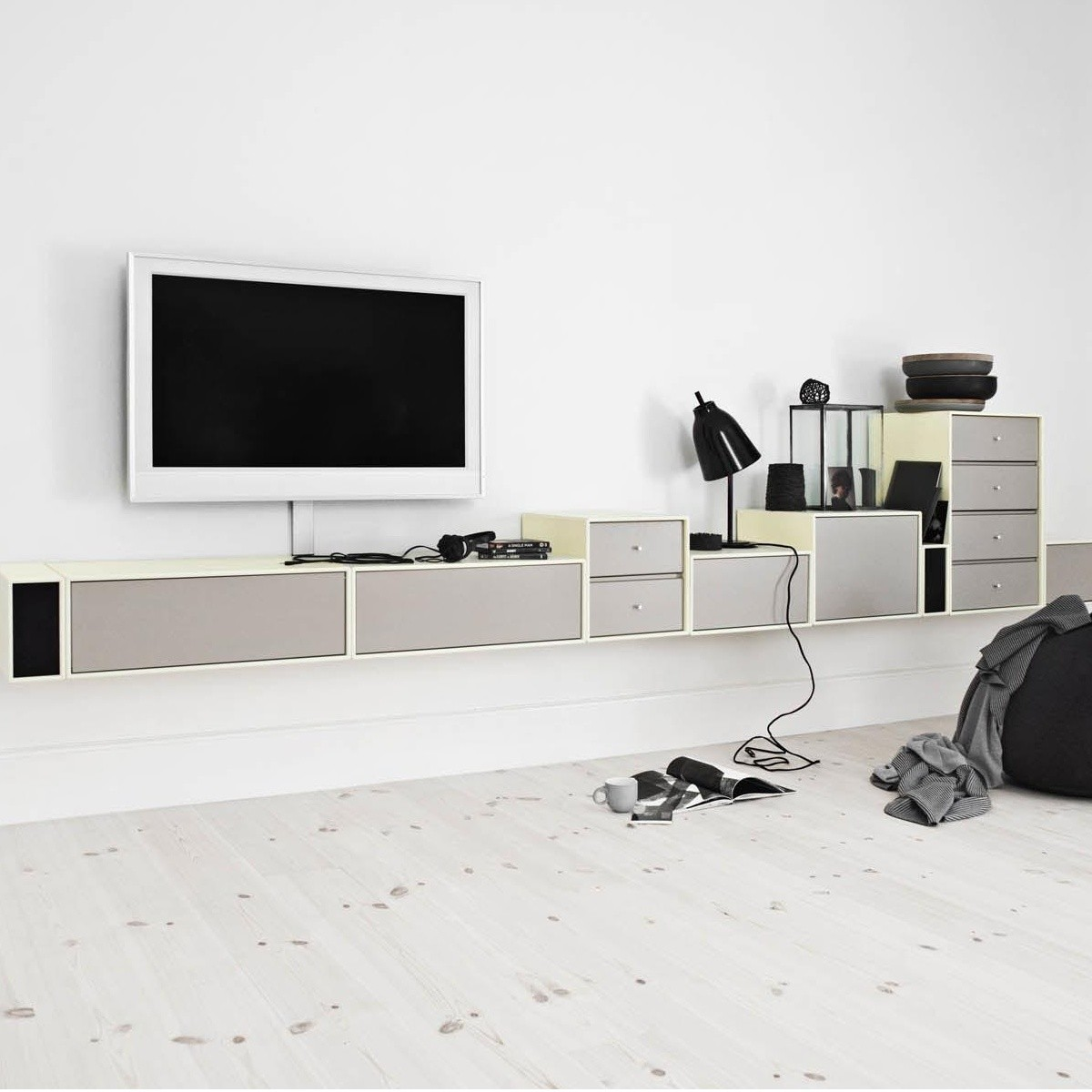montana tv hi fi lowboard montana appareils audio high tech. Black Bedroom Furniture Sets. Home Design Ideas