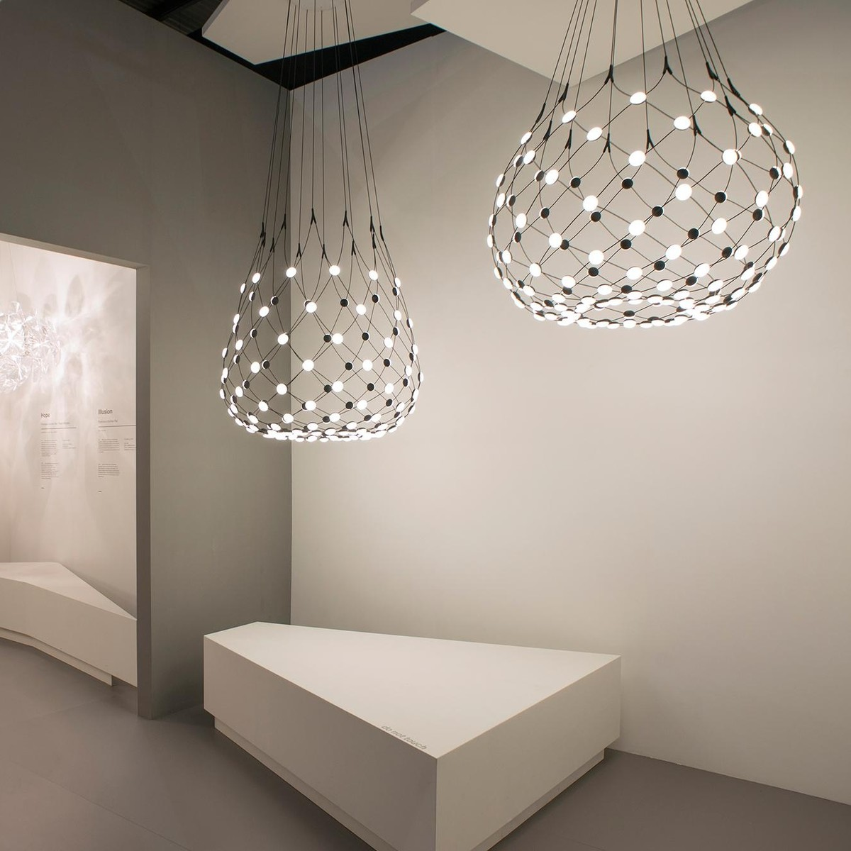 mesh led suspension lamp luceplan. Black Bedroom Furniture Sets. Home Design Ideas