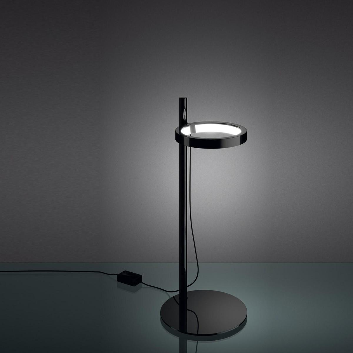ipparco led schreibtischleuchte artemide. Black Bedroom Furniture Sets. Home Design Ideas